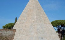 piramida-caiusa-cestiusza